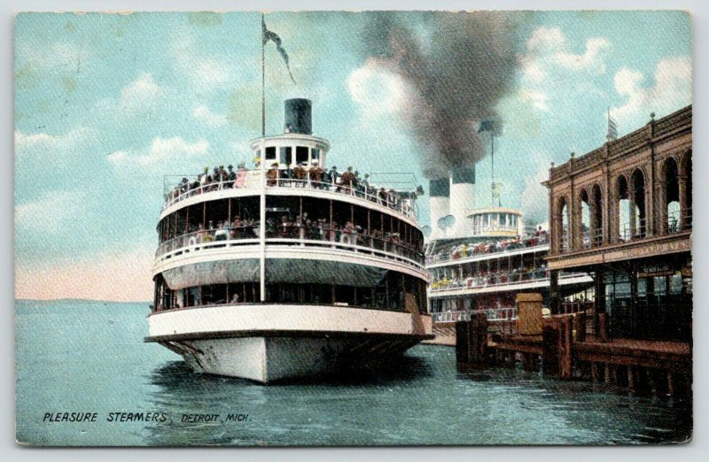 Detroit Michigan~Steamers at Woodward Ave Boat Landing~Tashmoo & Pleasure~1909