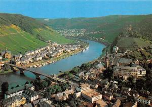 Cochem an der Mosel Blick vom Pinnerkreuz Bruecke Bridge River Panorama