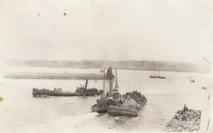 RP: Brest (Finistere), France, 1910s ; Convoying Soldiers in harbor