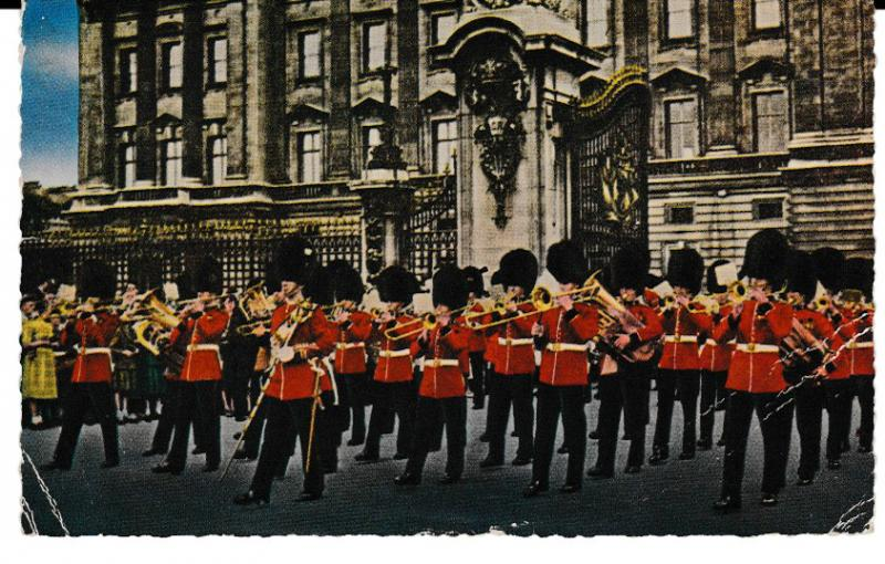 THE GUARDS BAND OUTSIDE BUCKINGHAM PALACE, LONDON used 1960