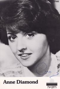 Anne Diamond  Vintage Breakfast TV AM Hand Signed Cast Card Photo