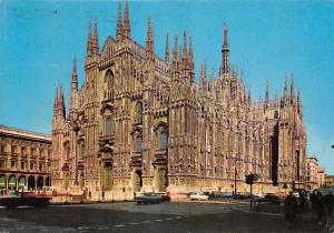 Italy Milano il Duomo The Cathedral Der Dom Auto Cars ..