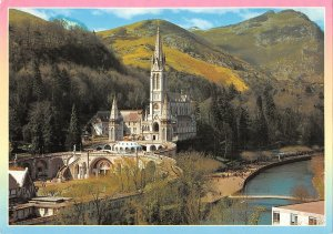 B108657 Portugal Lourdes The Basilica and the Gave Basilique real photo uk