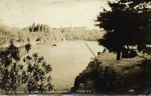 mexico, CHAPULTEPEC, Castello y Lago (1930s) RPPC