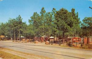 Manning South Carolina Suburban Pines Motel Street View Vintage Postcard K431505
