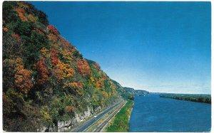 US Iowa - Mississippi River and Scenery. Mint card. Beautiful.