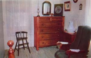 West Branch, Iowa, IA, Herbert Hoover Birthplace, Bedroom, 1970 Postcard d7270