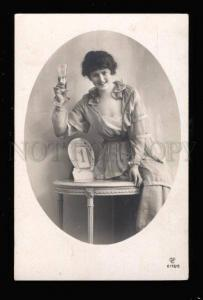 017013 Lady w/ Glass of CHAMPAGNE Vintage PHOTO NEW YEAR PC
