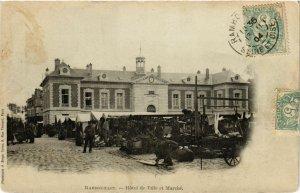 CPA RAMBOUILLET - Hotel de Ville et Marché (246407)