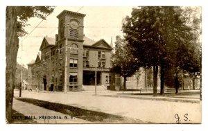 NY -  Fredonia. City Hall