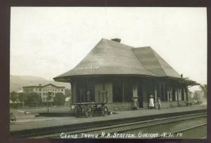 REAL PHOTO GORHAM NEW HAMPSHIRE RAILROAD DEPOT TRAIN STATION POSTARD COPY
