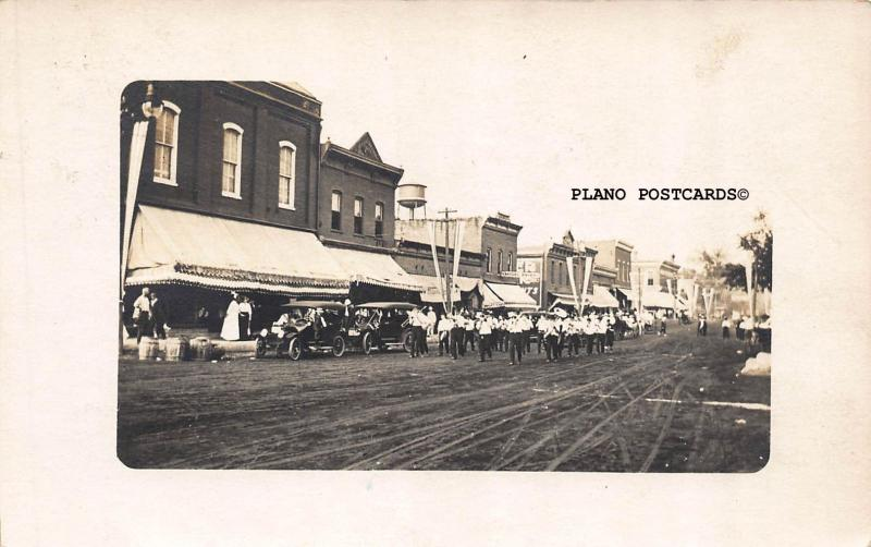 TOULON? ILLINOIS, DOWNTOWN PARADE-1916 RPPC REAL PHOTO POSTCARD