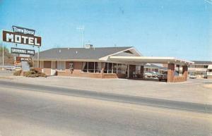 Malvern Arkansas Town House Motel Street View Vintage Postcard K90890