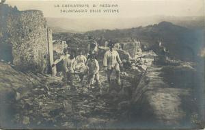 Postcard 1908 Messina Earthquake Salvataggio Delle Vittime Picking Up the Dead
