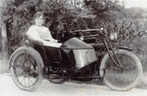 MOTORCYCLE Real Photo RPPC Postcard Reprint C1980 HARLEY DAVIDSON? Sidecar M73