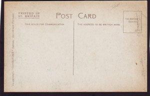P1483 old unused postcard east port forfar england, people etc street view