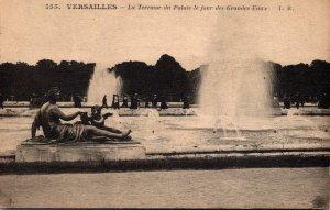 France Versaille Le CHateau La Terrasse du Palais le jour des Grandes Eaux
