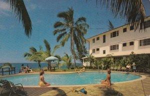 HILO , HAWAII , 1966 ; Poolside at the Naniloa Hotel