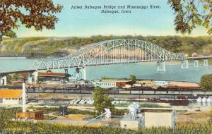 IA, Iowa   JULIEN DUBUQUE BRIDGE~MISSISSIPPI RIVER~TRAIN CARS   c1940's Postcard