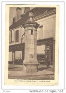 La Vieille Pompe,Chatillon-Sur-Indre,France,10-20s