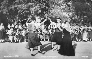 Spain Balls di Mallorca, Dance