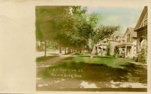 IN - Union City. East Division Street.   *RPPC
