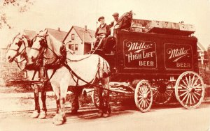 WI - Milwaukee. Miller Beer Delivery Wagon (Reproduction of old photo)