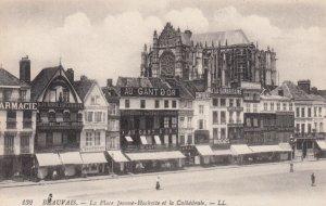 BEAUVAIS, France,1910-1920s, La Piace Jeanne-Hachette et la Cathedrale #2