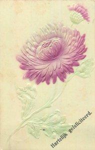 Early embossed greetings postcard flower bouquet Hartelijk gefeliciteerd