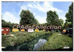Postcard Modern Saint Arnoult en Yvelines (S & O) Caravanning
