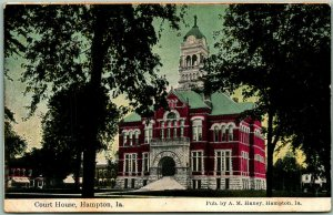 Hampton, Iowa Postcard FRANKLIN COUNTY COURT HOUSE Street View c1910s Unused