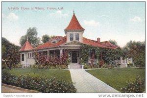 A Pretty Home In Winter Fresno California