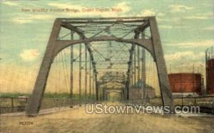 New Wealthy Avenue Bridge Grand Rapids MI Unused