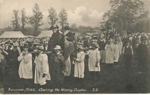Dunmow Flitch Trials Chairing The Winning Couples Essex England UK Postcard E12