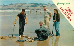 Columbia Family of Clammers Pismo Beach California 1967 Postcard 20-8529