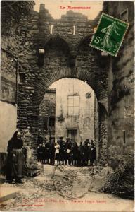 CPA Le ROUSSILLON - Millas - Vieilles Porte Lades (451548)