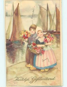 Pre-Linen foreign GIRL AND BOY WITH FLOWERS BY THE SAILBOAT BOATS HL7772