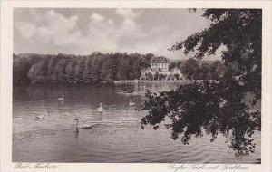 Germany Bad Nauheim Grosser Teich mit Teichhaus