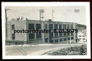 3679 - BAIE COMEAU Quebec 1960 School Building. Real Photo Postcard