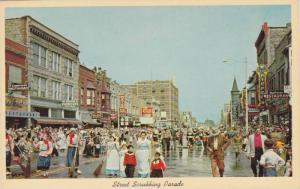 Main Street , Street scrubbers , Holland , Michigan, 40-50s Drug Store