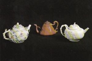 Red Stoneware White Porcelain From The Mayfloer 1715-20