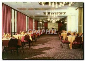 Postcard Modern room Authenic Dynasty Cantonese food served in a gracious set...