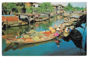 Thailand Bangkok The Floating Market Boats Vintage Postcard