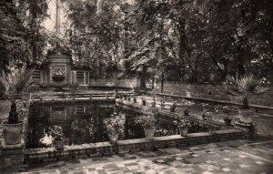 Parque de Maria Luisa,Sville,Spain BIN