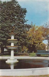 La Fontaine du Parc Blais, Riviere Du Loup,  Quebec,  Canada,  PU_1961