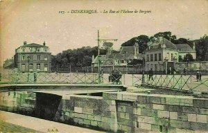 France Dunkerque La Rue et l'Ecluse de Bergues Street Bridge Postcard