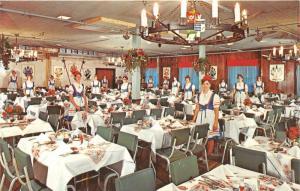 Frankenmuth Michigan Bavarian Inn-Family Crest Room~Waitresses Posing~1975 Pc