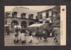 France L'Ancienne Halle Women Fecamp Carte Postale Postcard Vintage