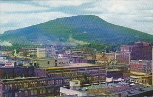 Tennessee Chattanooga Skyline and Lookout Mountain