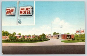Toledo Maumee Ohio~Ban-Rey Motel~Preview Television in Rooms~Sign Close Up~Linen